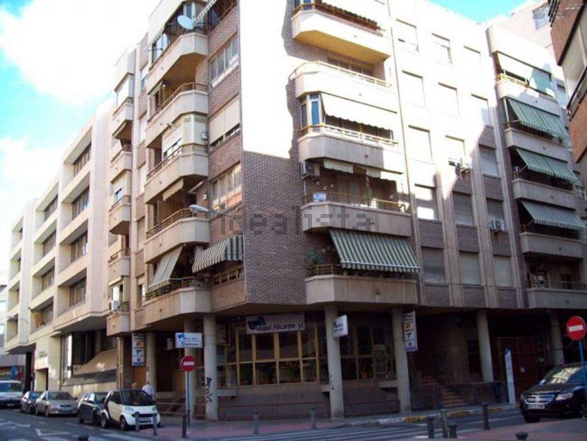 Piso en calle pintor lorenzo casanova, Ensanche-Diputación, Alicante Alacant