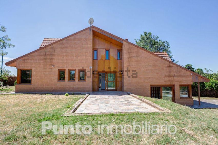 Casa o chalet independiente en calle de Villagarcía de Campos, Las Villas - Sta