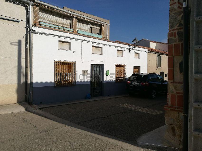 Casa de pueblo en calle Eriales Primera, 9, Cantalpino