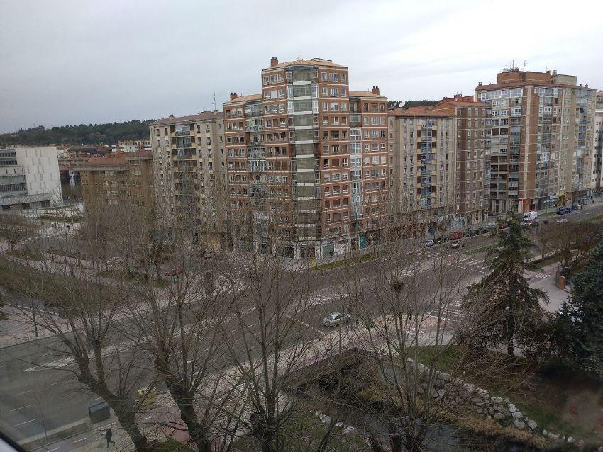 Piso en avenida Cantabria, Plantío - Alcampo, Burgos