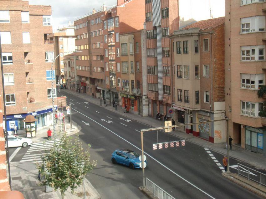 Piso en avenida Santander, Ave María, Palencia