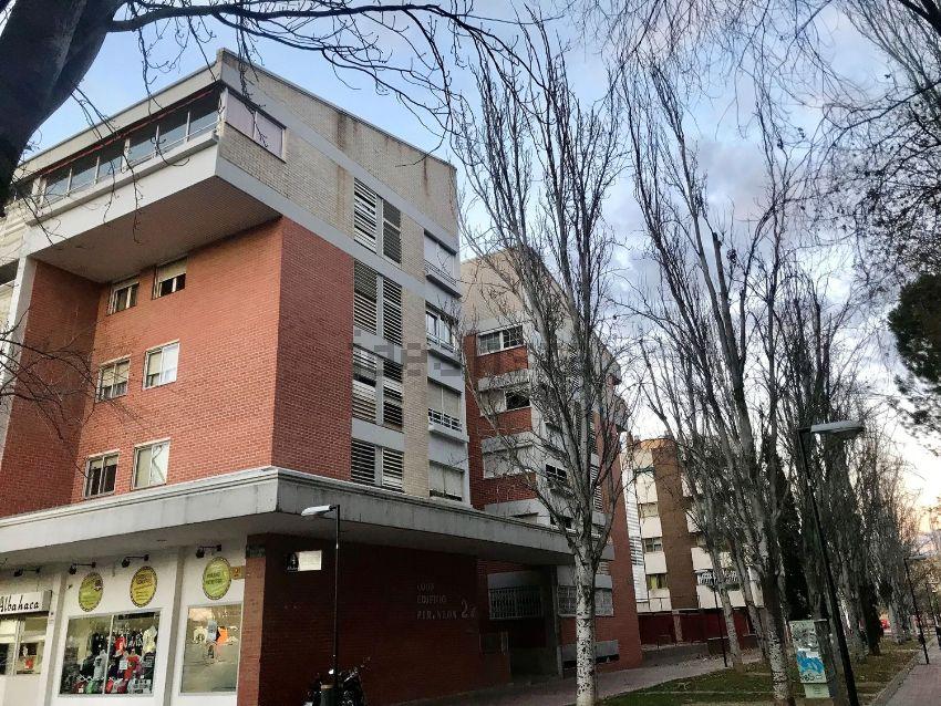 Piso en calle Violeta Parra, Salvador Allende-Parque Goya-Zorongo, Zaragoza