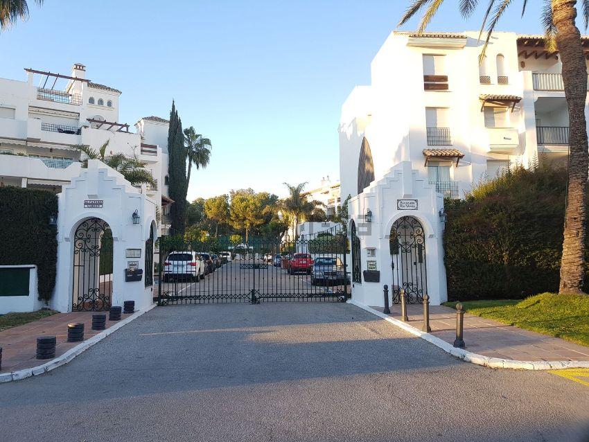 Piso en Arrabal la Medina, 1, Puerto Banús, Marbella