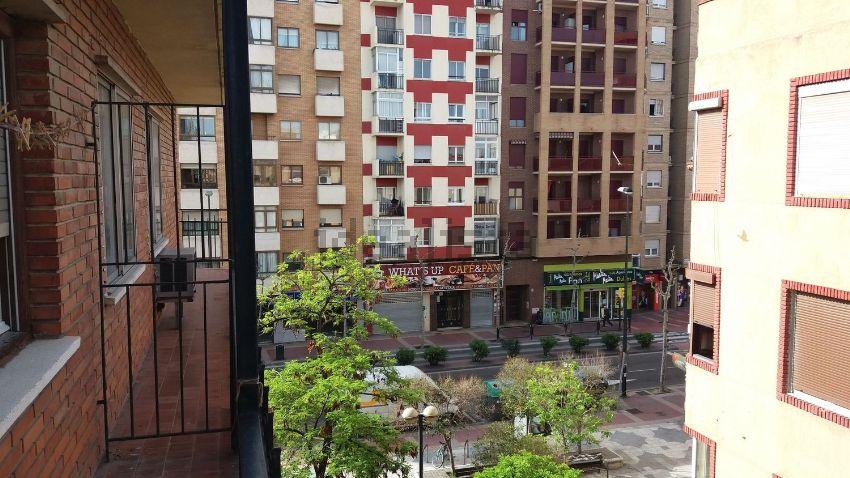 Piso en calle Leonardo Torres Quevedo, 2, Barrio del AVE, Zaragoza