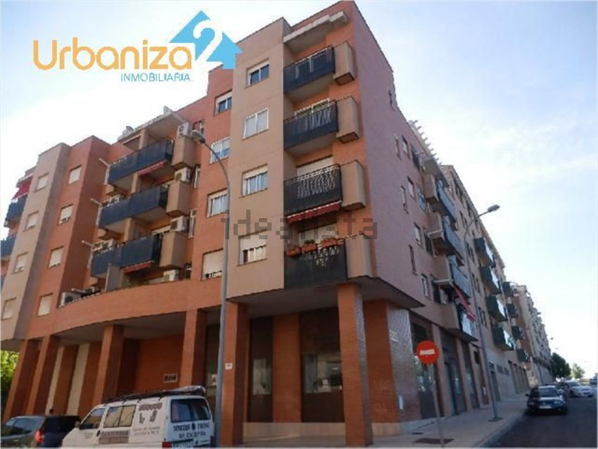 Piso en calle rota, Maria Auxiliadora - Barriada LLera, Badajoz