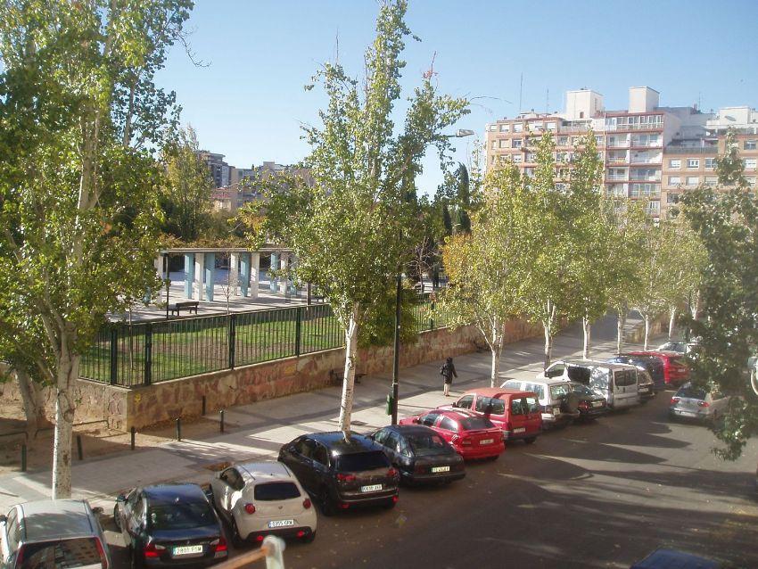 Piso en calle Ciudadela, Parcelación Barcelona, Zaragoza