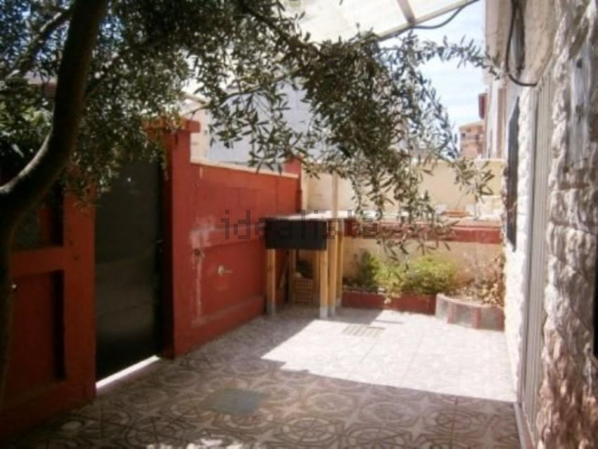 Chalet pareado en calle Lugo, 103, Barrio Torrero, Zaragoza