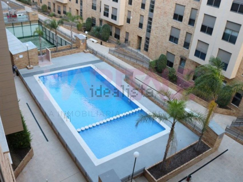 Piso en avenida barcelona 92, Zona Parc Central-Hort de Trenor, Torrent
