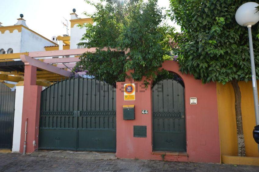 Chalet adosado en calle Pensamiento, 44, Cavaleri, Mairena del Aljarafe