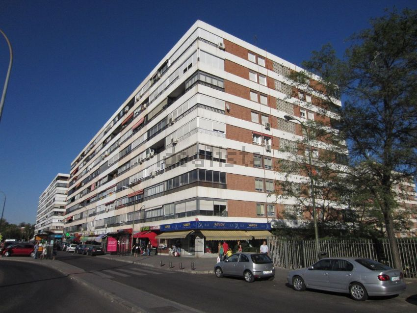 Piso en calle Isla de Tavira, Peñagrande, Madrid