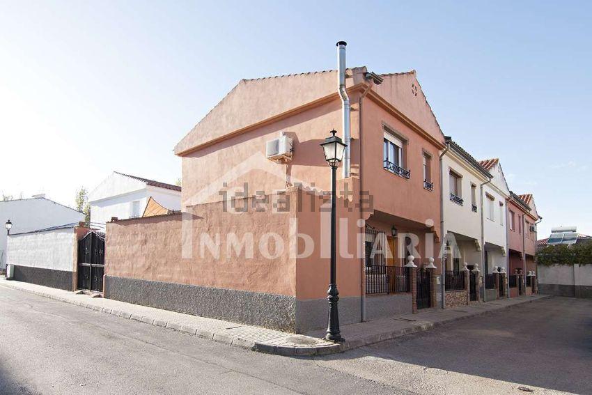 Chalet pareado en calle el Puerto, s n, Las Flores - La Huerta, Las Gabias