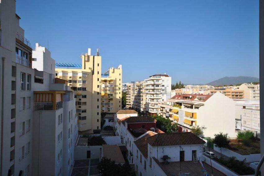 Piso en calle Padre José Vera, Playa Bajadilla-Puertos, Marbella