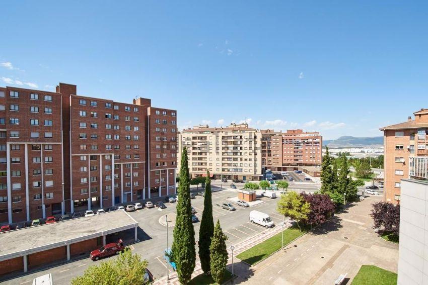 Piso en calle bartolome de carranza, Mendebaldea, Pamplona Iruña