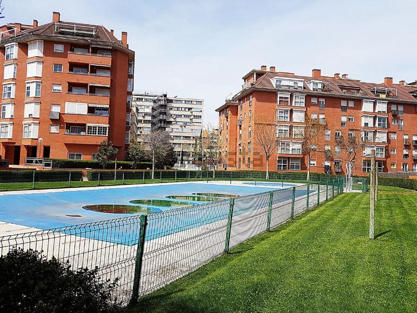 Piso en calle de antonio lópez, Almendrales, Madrid