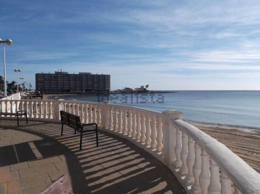 20 apartamentos baratos en la costa espa ola idealista news - Pisos en la playa baratos ...