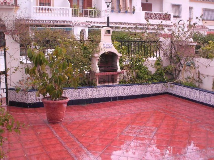 chalet adosado en venta en calle conjunto jardines del rocio pasaje norte ensanche centro soho mlaga