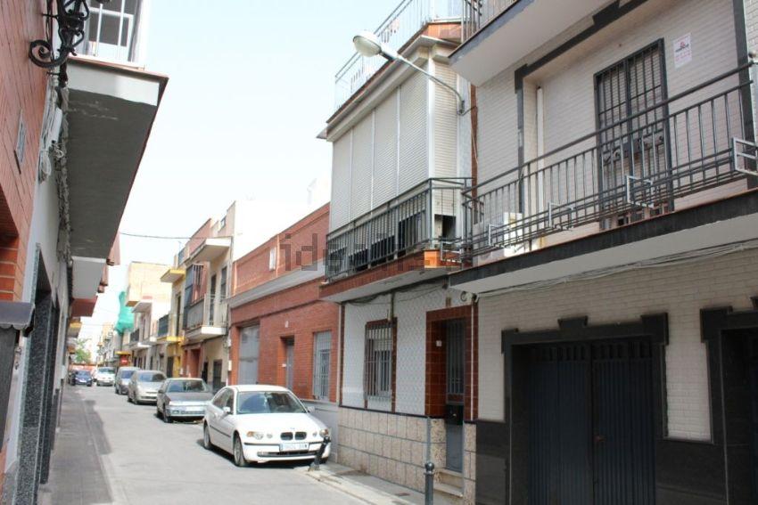 Chalet adosado en calle Castilleja de la Cuesta, Palmete-Padre Pío-Hacienda San