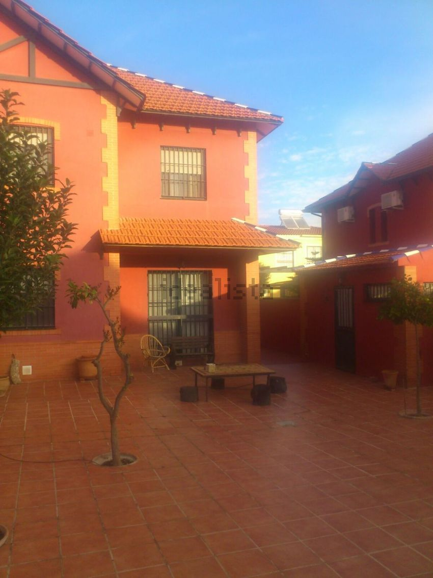 Chalet pareado en calle colombia, s n, Zona Avda. Juan Diego, Bormujos