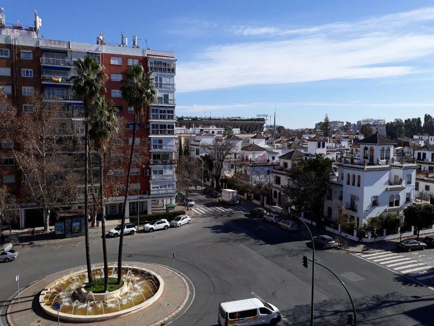 Piso en glorieta Alcalde Parias Merry, Reina Mercedes - Heliópolis, Sevilla