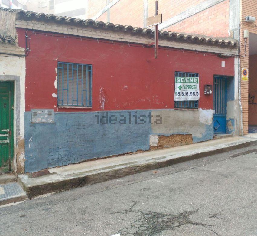 Chalet adosado en Terranova, Barrio de la Paz, Zaragoza