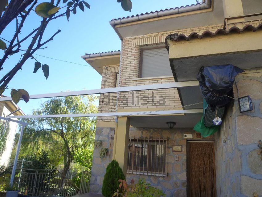 Chalet pareado en Urbanización La Alegria, La Adrada