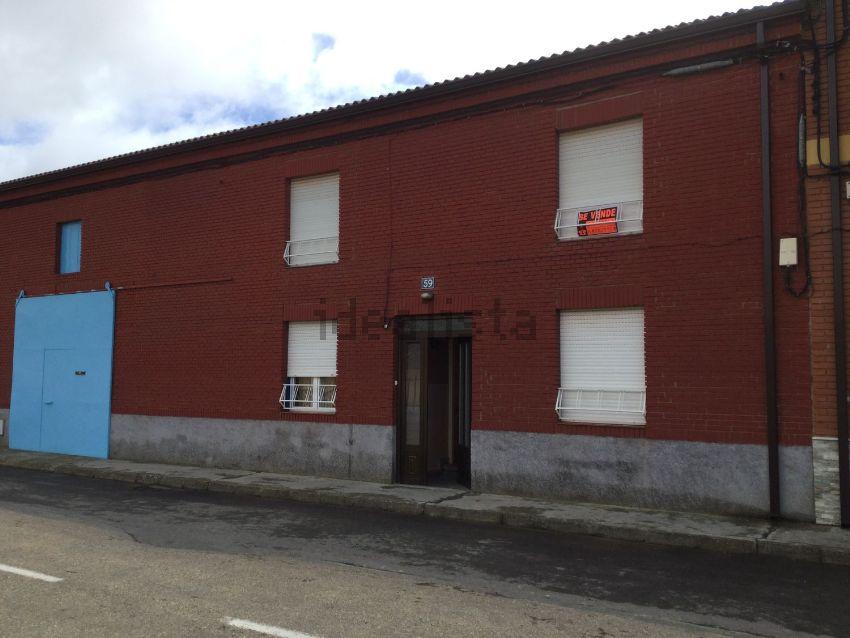 Chalet adosado en calle Real, 34, Regueras de Arriba