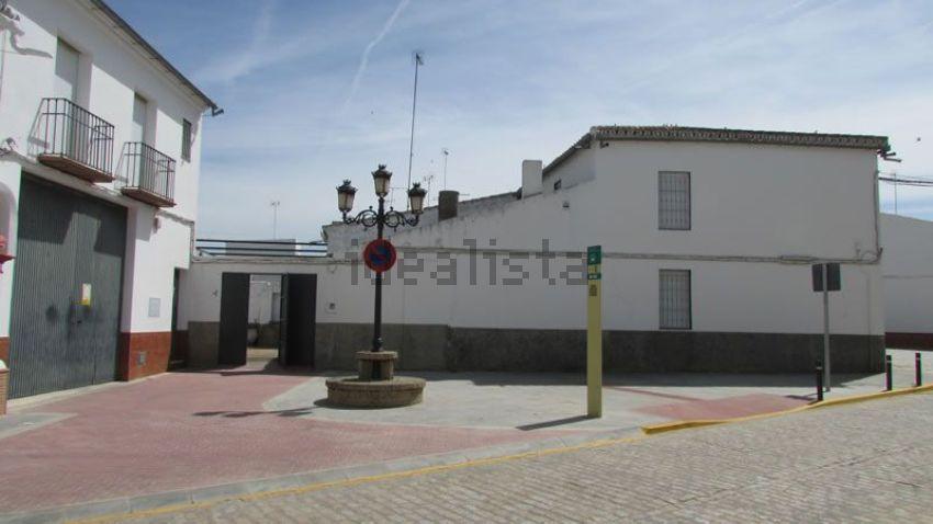 Casa de pueblo en calle Pablo Ruiz Picasso, 1, Carrion de los Céspedes