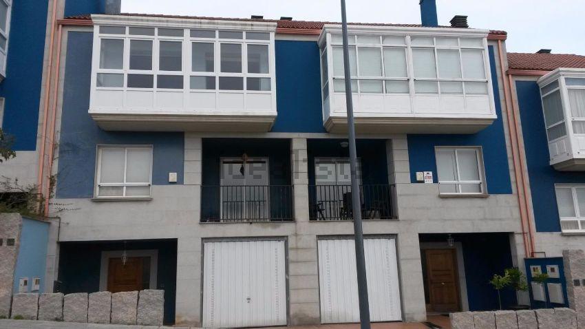 Chalet adosado en calle Milán, Elviña - A Zapateira, A Coruña