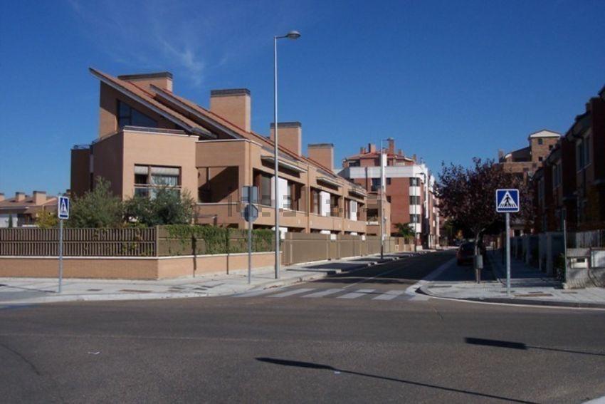 Chalet adosado en calle Valverde de Campos, 46, Las Villas - Sta Ana, Valladolid