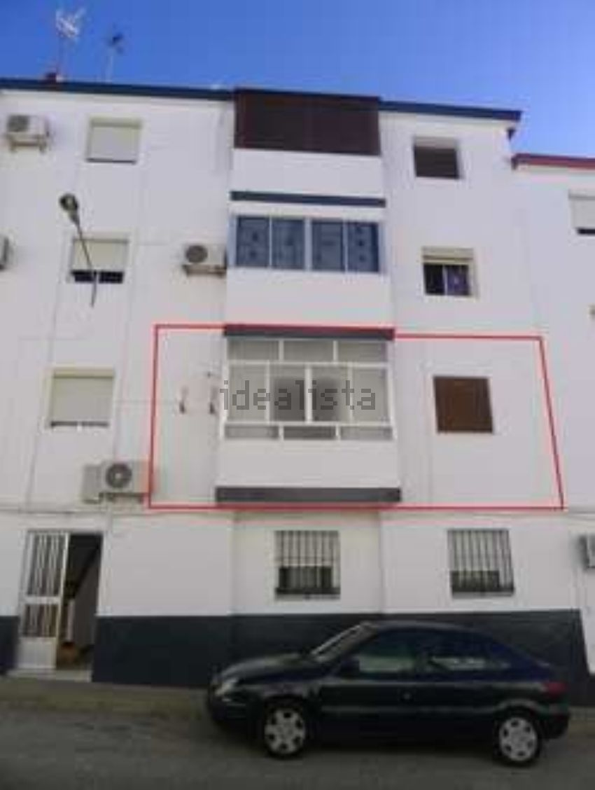Piso en calle ventura sanchez, Carmona