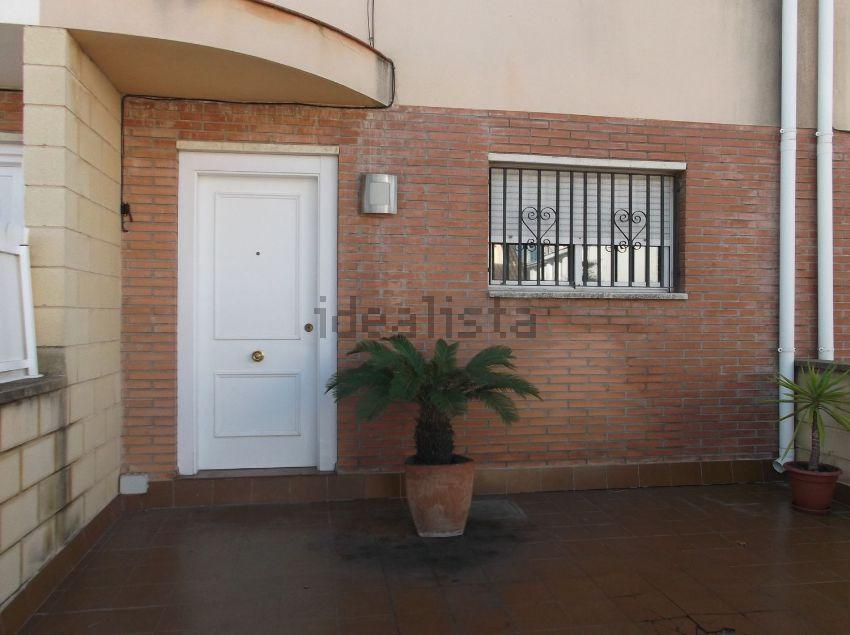 Chalet adosado en calle Xiprers, s n, Els Munts, Torredembarra