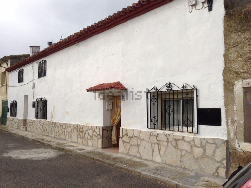 Chalet pareado en Diseminado Montañana Barrio Flores, Barrios rurales del norte,
