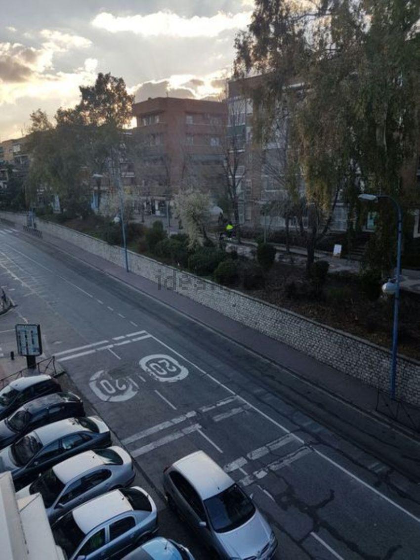Piso en avenida de fuenlabrada, Descubridores-Escritores, Leganés