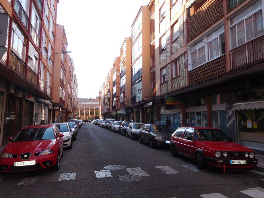 Piso en calle San Lázaro, La Victoria - El Cabildo, Valladolid