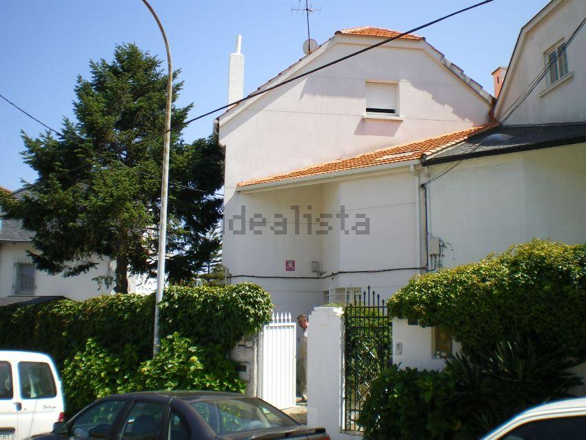 Chalet pareado en calle Filantropía, Ciudad Jardín, A Coruña