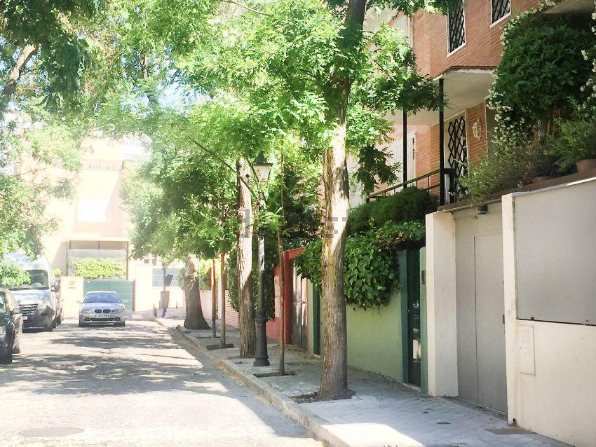 Chalet adosado en ega, El Viso, Madrid