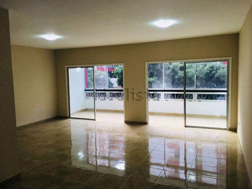 Piso en avenida José Mesa y López, 32, Santa Catalina - Canteras, Las Palmas de