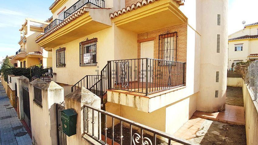 Chalet pareado en calle Ceuta, 7, Residencial Triana - Barrio Alto, Las Gabias