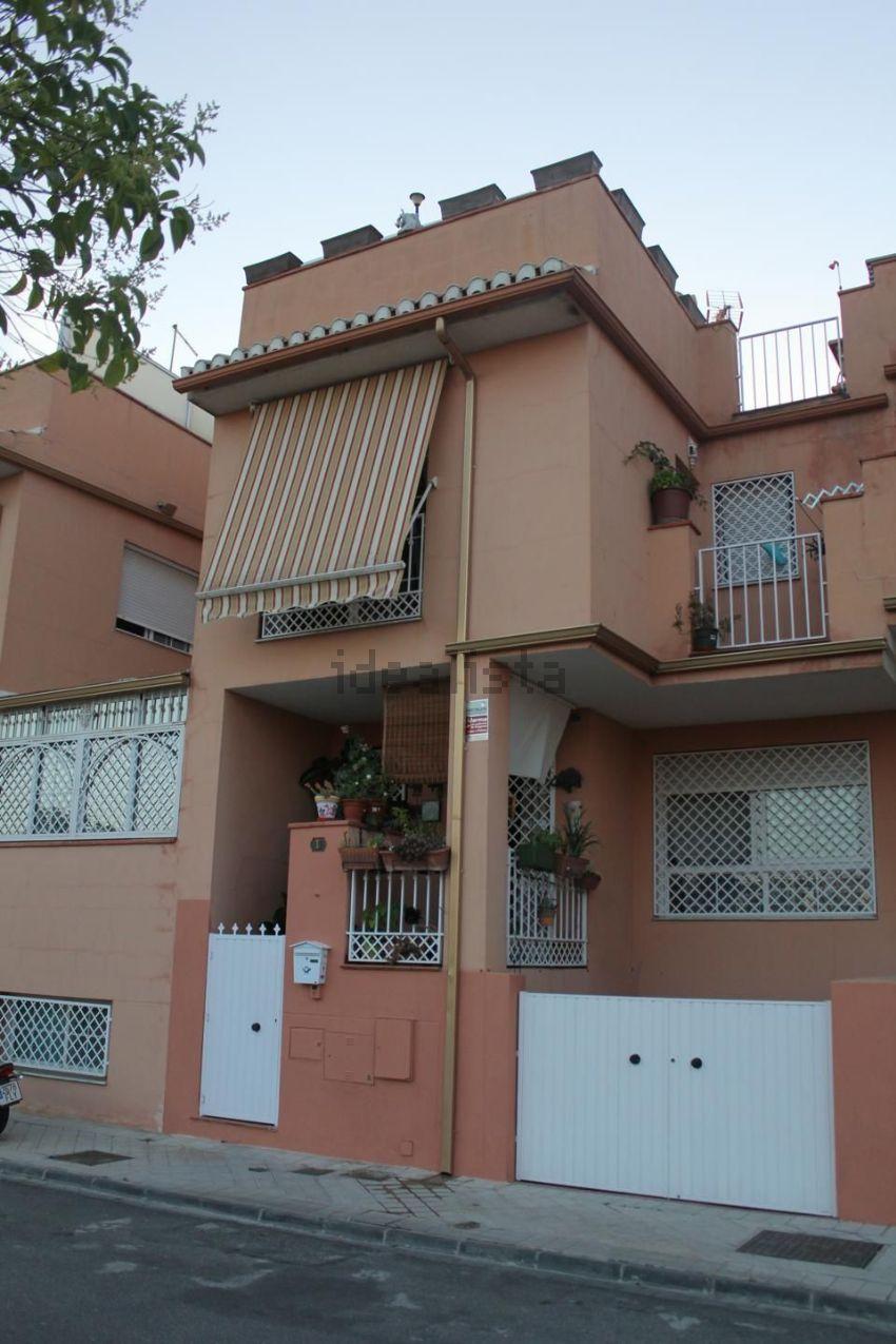 Chalet adosado en calle copérnico, San Miguel, Armilla