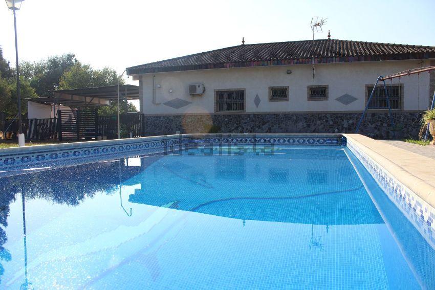 Casa o chalet independiente en calle Adaines, Oromana, Alcalá de Guadaira