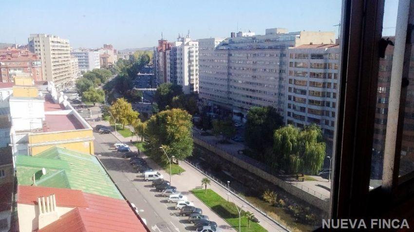 Piso en avenida reyes católicos, Centro, Burgos