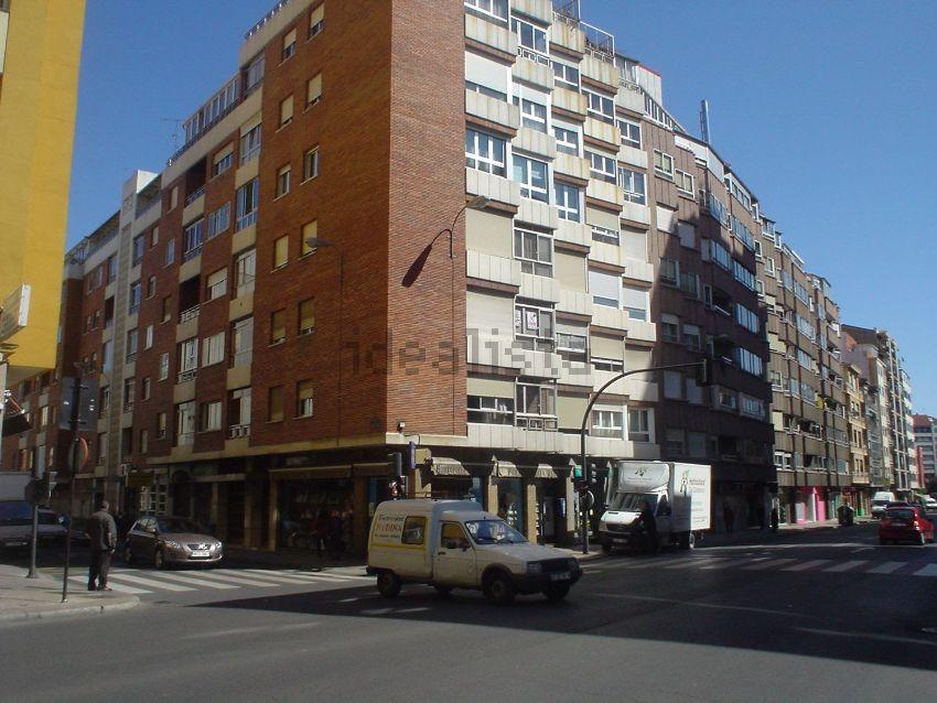 Piso en calle López de Fenar, El Ejido- Sta. Ana, León