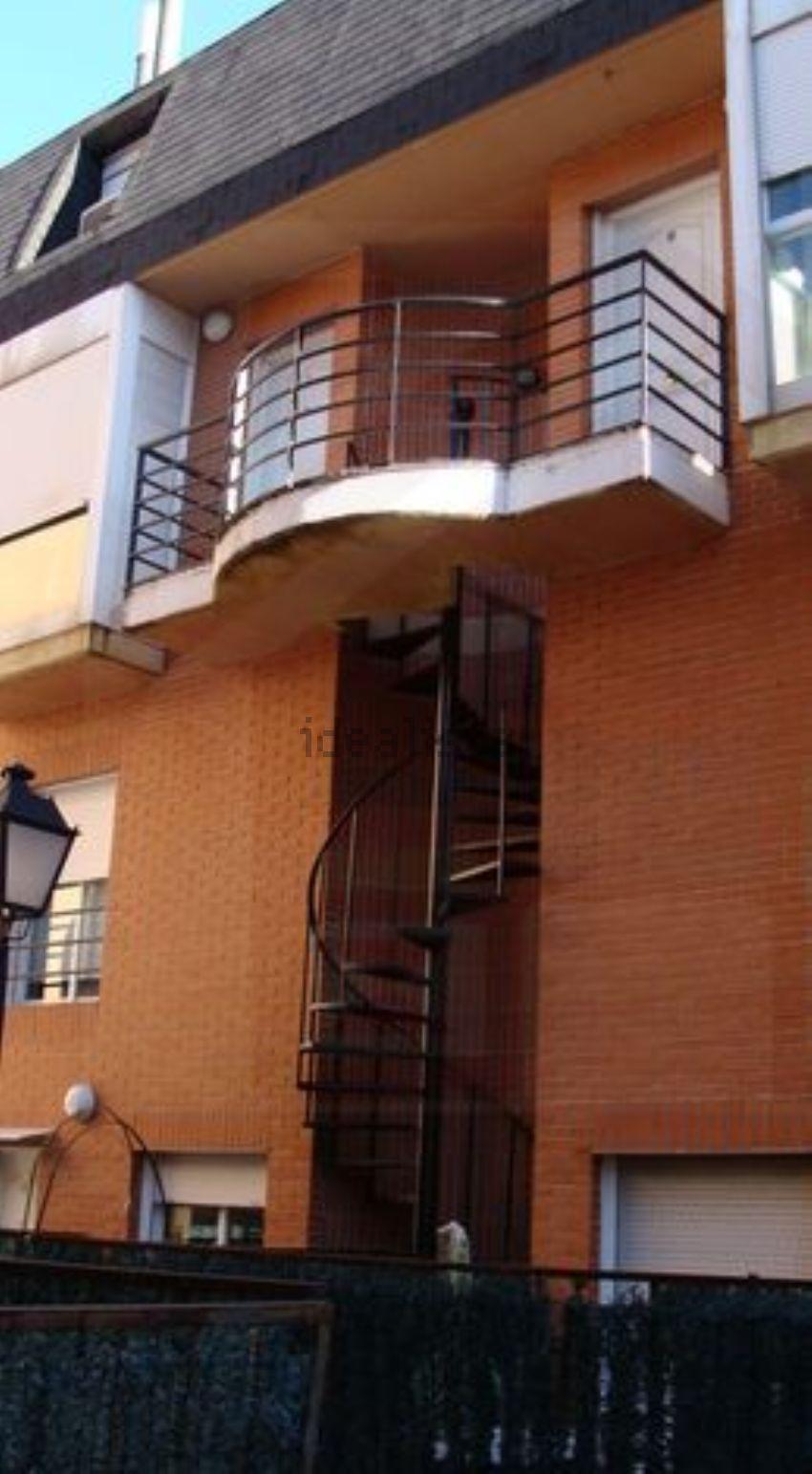 Dúplex en calle José María Cavero, San Pascual, Madrid