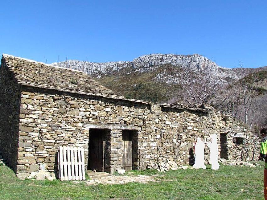 Casas en el pirineo catalan trendy casa parranxo pirineo - Casas rurales en pirineo catalan ...