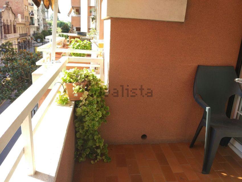 Piso en calle de Joaquim Rubió i Ors, Centre, Cornellà de Llobregat