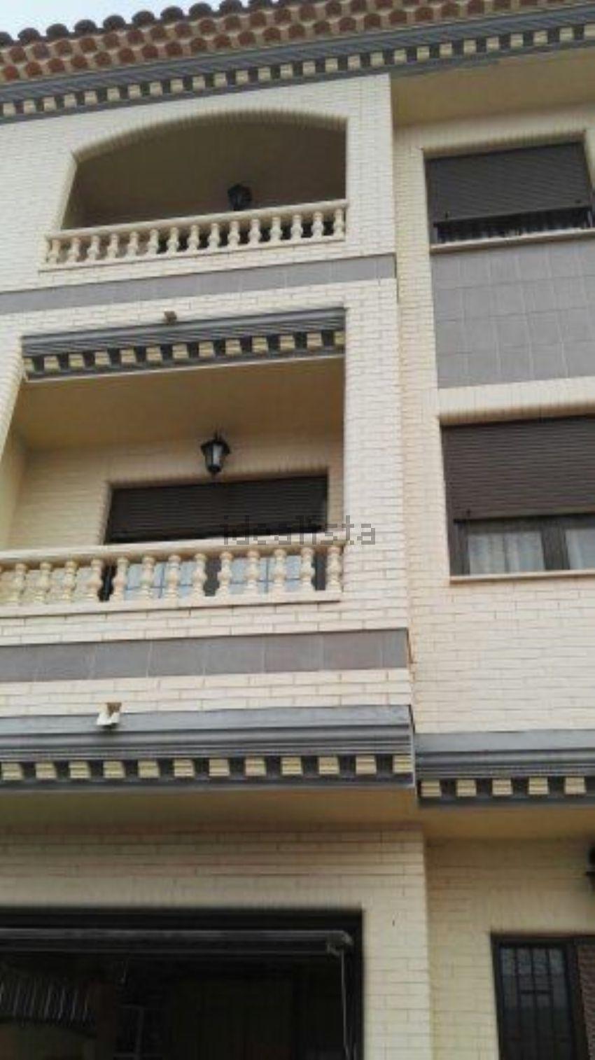 Chalet adosado en calle Alfonso X el Sabio, 17, Villarrobledo