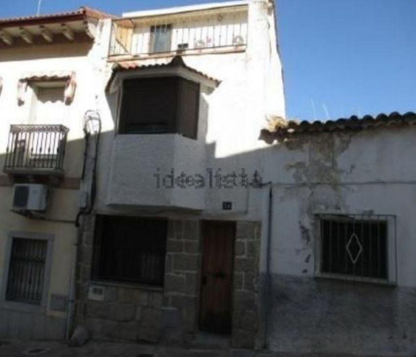 Chalet adosado en calle de la Cuesta del Castillo, San Martín de Valdeiglesias
