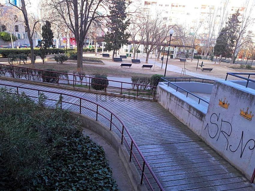 Piso en calle luis royo villanova, San José Alto, Zaragoza