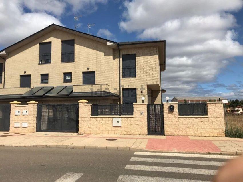 Casa o chalet independiente en calle Truébano, Valverde de la Virgen