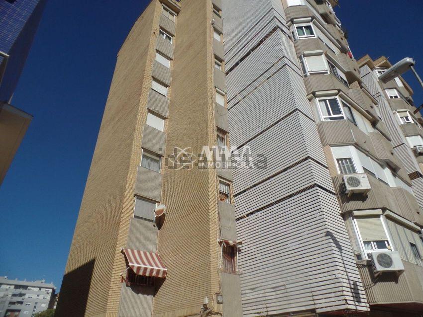 Piso en plaza de la Tona, La Florida - Vistalegre, Huelva